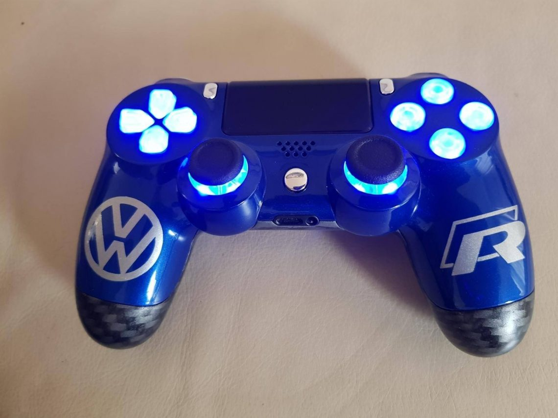 ps4 controller custom vw volkswagen golf 7 R gaming www.fsb-dip.nl hydrodipping