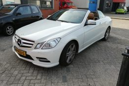 Mercedes-Benz E200 cabrio notenhout