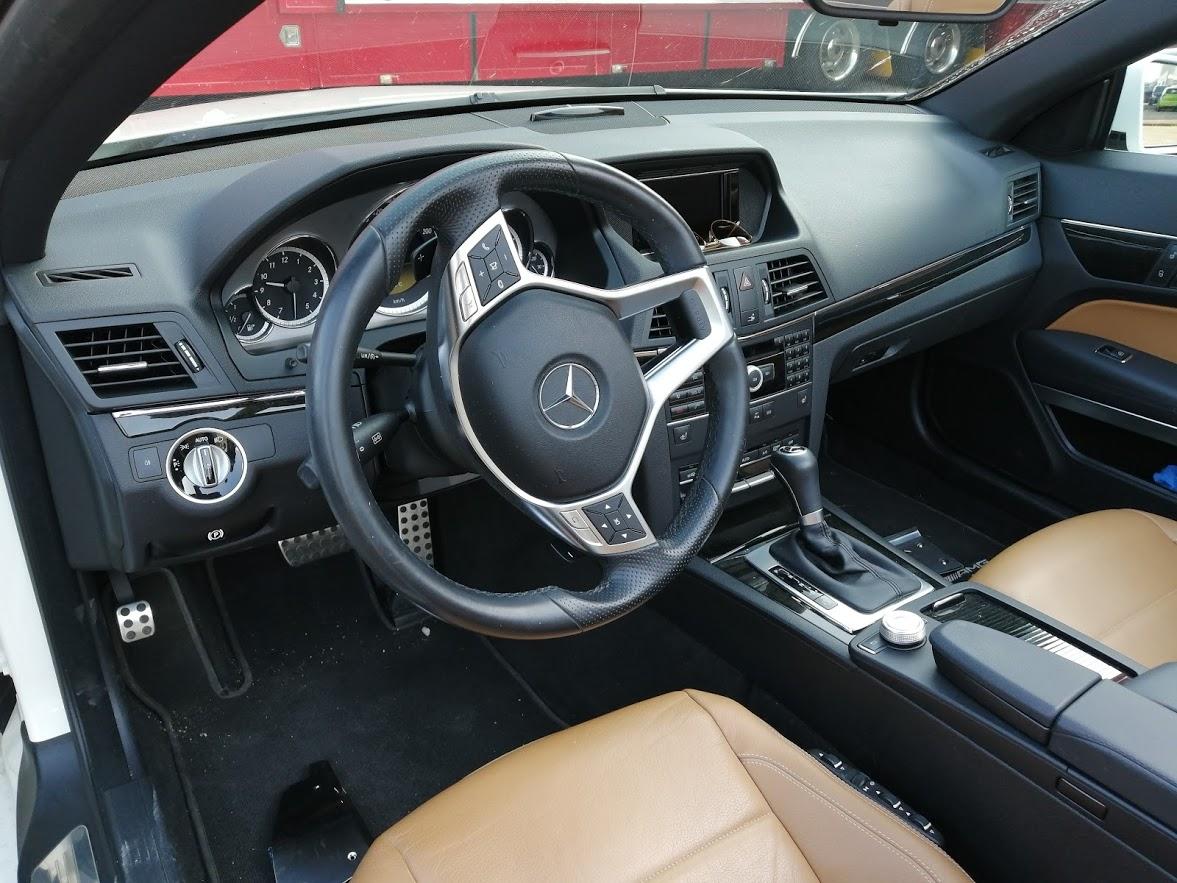 Mercedes-Benz E200 cabrio notenhout